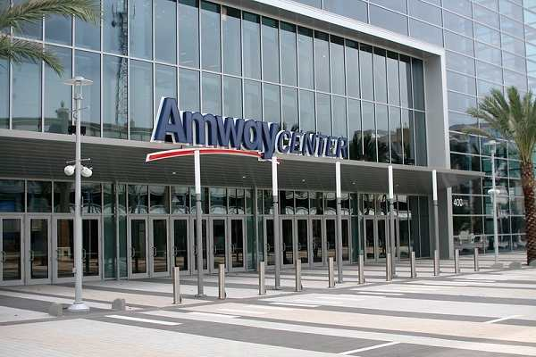 cong-ty-amway